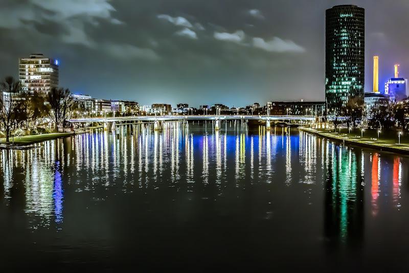 Un ponte di luce a francoforte di lodo_braap