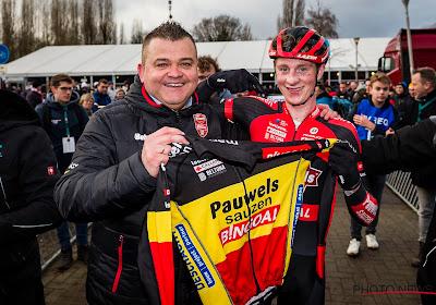 """🎥 Vandebosch winnaar van de spannendste cross in Antwerpen: """"Mettepenningen horen roepen, supporters dankbaar"""""""