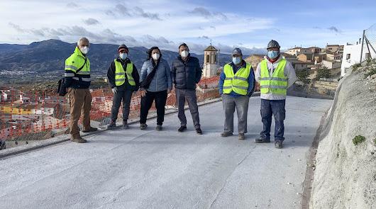 Las obras del PFEA renuevan la calle Barranquillo de Lúcar