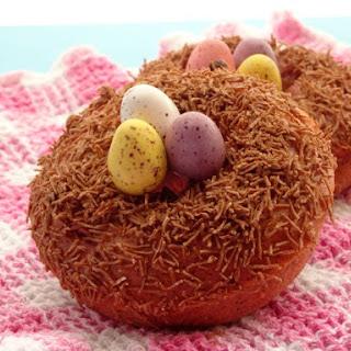 Skinny Baked Strawberry Bird Nest Donuts