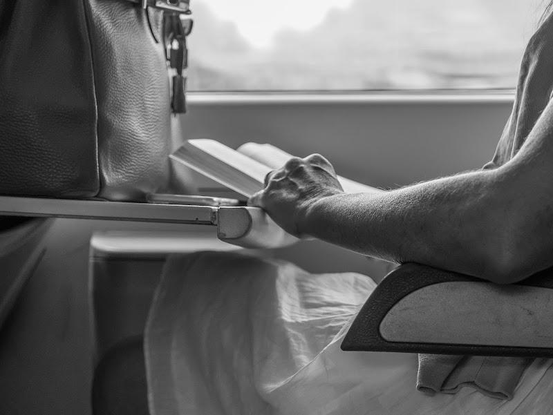 Un libro, il miglior compagno di viaggio di Caterina Ottomano