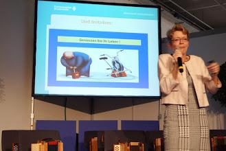 Photo: Frau Dr. Barbara Felix hatte sehr viele aufmerksame Zuhörerinnen und Zuhörer.