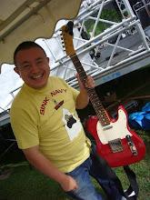 Photo: ChicagoBlues67の伊藤さん。キャンディアップルレッドかな?赤いテレキャス似合います。ブールスマンなのに明るい色が似合うという(笑)