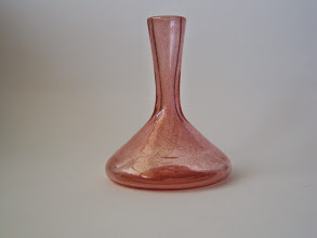 Photo: Pink vase with gold leaf. Attributed to Fratelli Toso.