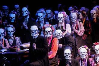 Photo: Dimitri Schostakowitsch: LADY MACBETH VON MZENSK;Hessisches Staatstheater Wiesbaden:ChorCOPYRIGHT:Martin Kaufhold, Yorckstr. 1565195 Wiesbaden, 0171 / 4158942SPARKA BOCHUM  BLZ 430 500 01KTO 11 35 61 450