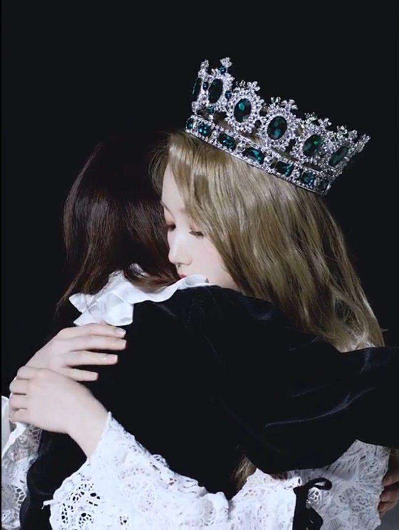 gowon crown 2