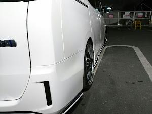 ヴォクシー ZWR80G のカスタム事例画像 Vさんの2018年10月10日21:01の投稿