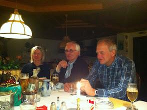 Photo: Gudrun, Heinrich und Andreas , Bescherung