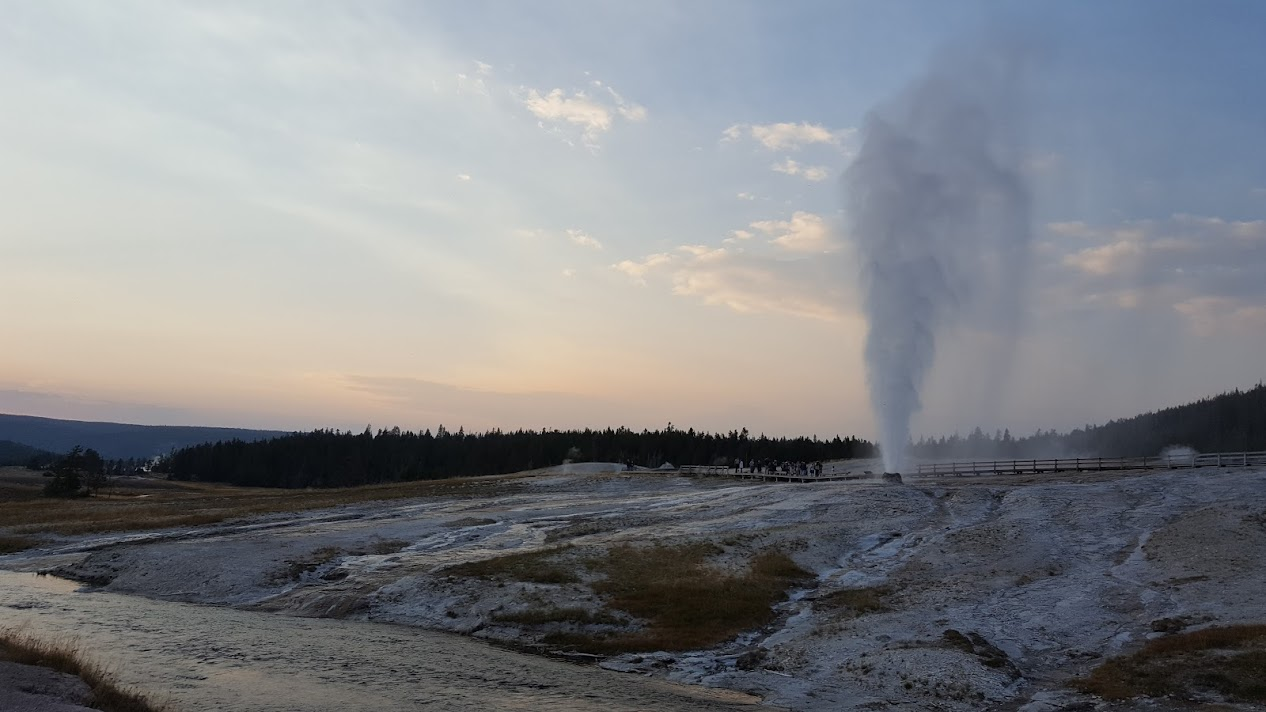 Old Faithful Lodge Hot Geyser