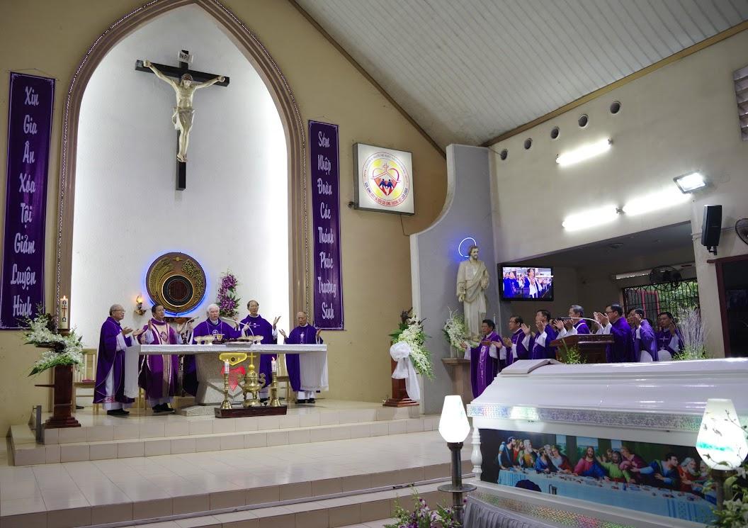 Thánh lễ an táng Cha Giuse Trần Ngọc Tâm - Chánh xứ Xuân Đức - Ảnh minh hoạ 23