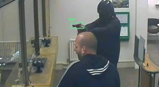 phát hiện súng