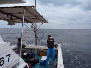 Photo: 明日も出船予定だが、波が高そうなので今日が今年最後の釣りになりそうです。 張り切っていきましょう!・・・しかし、潮がめちゃくちゃ速いっ!