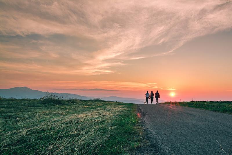 Passeggiata, serale di Ivan Bertusi