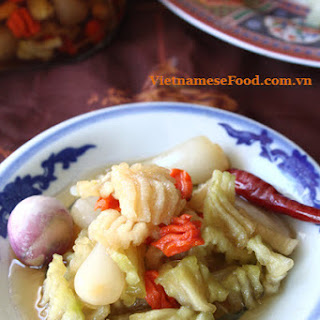 Pickled Vegetables and Chinese Scallion in Fish Sauce Recipe (Dưa Món).