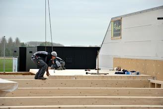 Photo: 08-11-2012 © ervanofoto Plaat na plaat wordt het dak dicht gelegd.