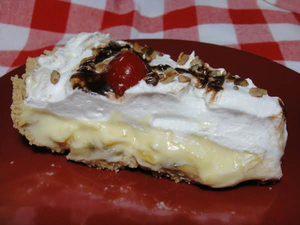 Banana Split Pie.....so Good It's Hard Not To Lick The Plate.