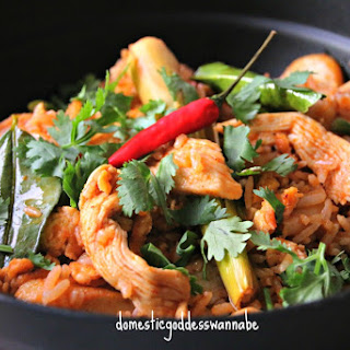 Tom Yum Fried Rice with Chicken, French Beans and Fish Cake Recipe