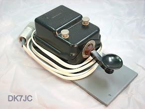 """Photo: Gasdichte Taste der DDR  NVA  M.T.50  """"System Junker"""" """"DM""""  *024-40"""