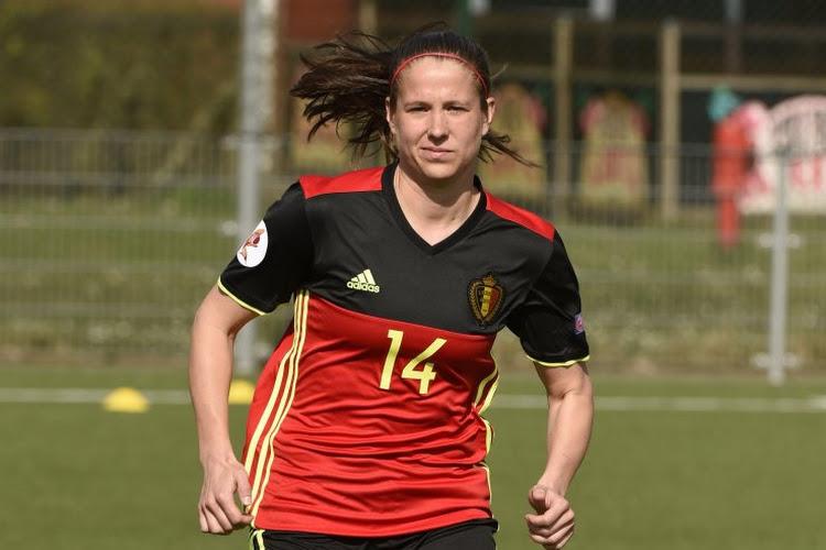 Un duel entre Red Flames lors de la 1re journée aux Pays-Bas