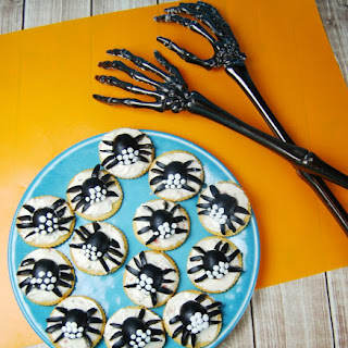 Spider Crackers with California Black Olives
