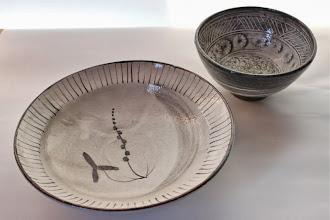 Photo: 鉄絵7寸平鉢/花三島飯碗