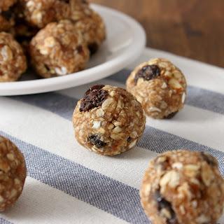 Oatmeal Raisin Cookie Granola Bites