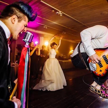 Wedding photographer Slava Pavlov (slavapavlov). Photo of 19.01.2018