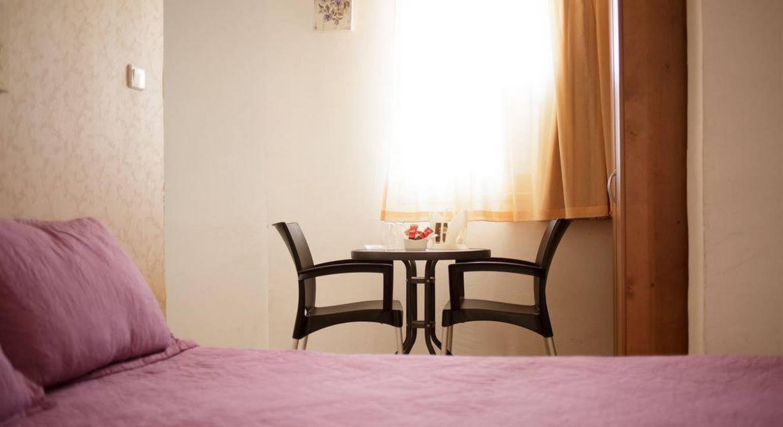 Loui M Apartments
