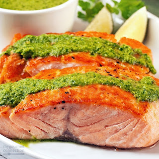Grilled Salmon Fillets with Pesto