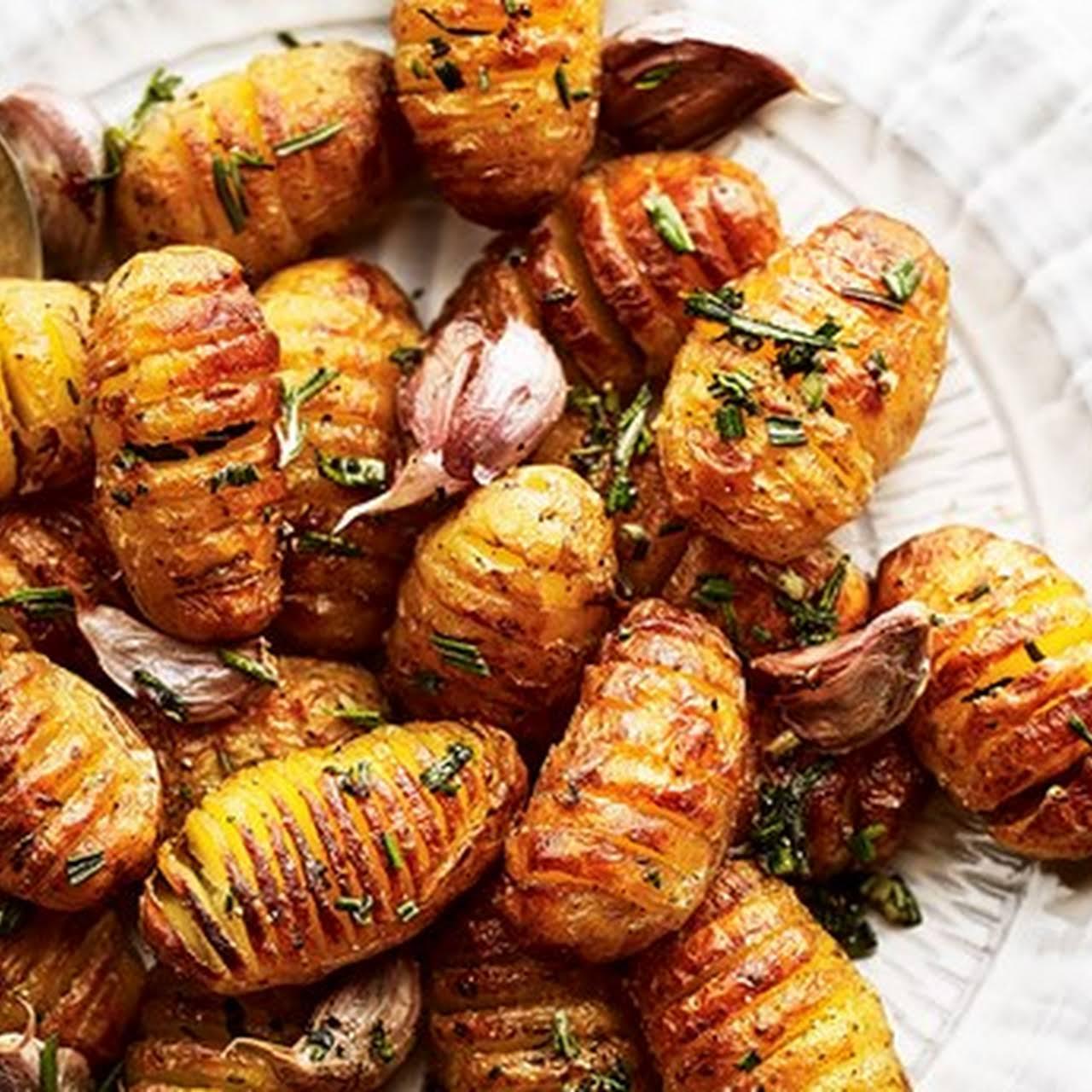 Mini Hasselback Potatoes with Rosemary and Garlic