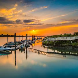 心隨幻夢,情懷難繫,卻美的不動聲色 by Gary Lu - Transportation Boats ( sunset, gary lu )