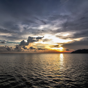 The Last Light by Michael Tan - Landscapes Sunsets & Sunrises ( clouds, sunset, sea, malaysia, langkawi )