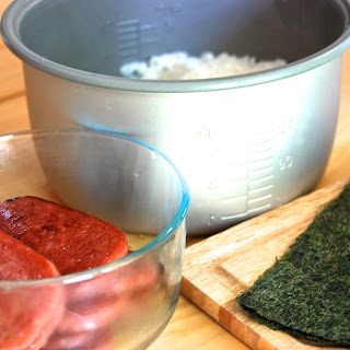 How to make Spam musubi!.