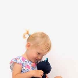 Teddy bear  by Mirosław Karczmarczyk - Babies & Children Child Portraits ( children, light, portrait )