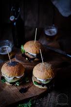 Photo: Pan de hamburguesa y hamburguesas de quinoa y soja texturizada http://revelandosabores.blogspot.com.es/2015/01/pan-de-hamburguesa-y-hamburguesas-de.html Leticia / Zamora / Nikon D5100