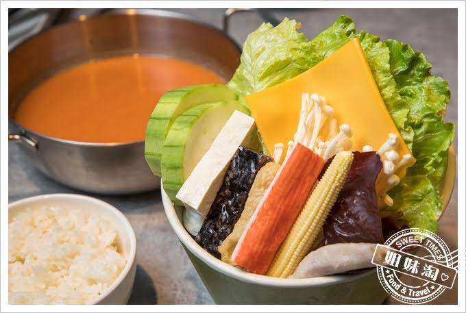 貳堂鍋物韓式辣醬奶蓋鍋