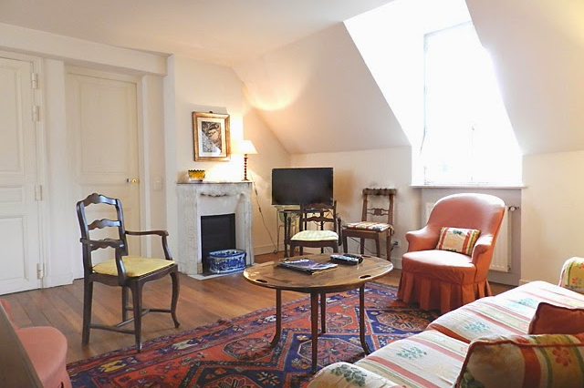 Spacious living room at 2 bedroom Apartment with St Germain Views
