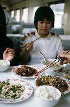 Photo: 11036 上海~鎮江/列車/食堂車/食事風景
