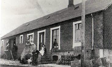 Photo: Den gamle Brugsforening (personer ukendte)