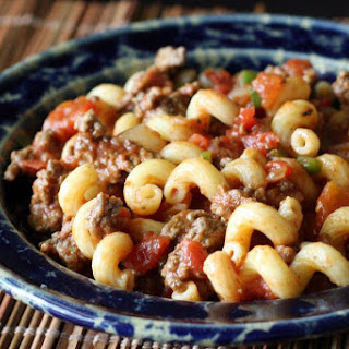 Spicy Pasta with Ground Beef and Tomatoes Recipe
