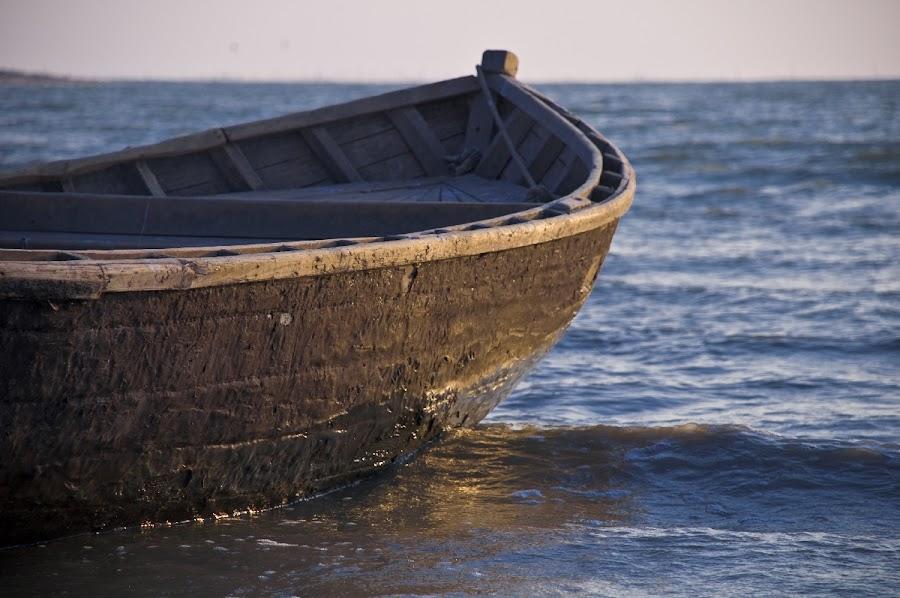 Pitch-black side by Владимир Агруц - Transportation Boats ( water, marine, sea, seascape, boat )