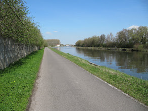 Photo: Day 9 - On the Canalside #2