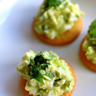 Recipe for Avocado Egg Salad RITZ Cracker Snacks.
