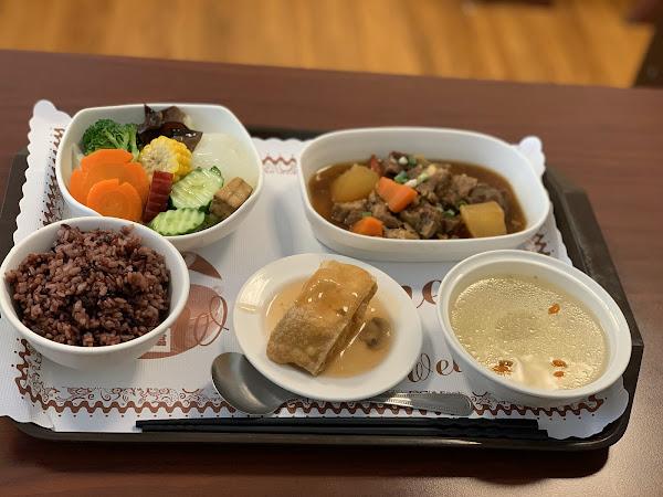 健康好吃,用餐時段一位難求,新天地附近好選擇~