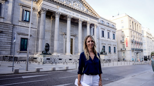 """Alvarez de Toledo ve """"un error"""" su destitución y se va con reproches a Casado"""