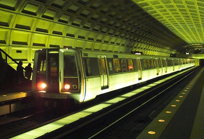 washington-dc-metro-train