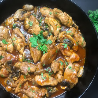 Zesty Skillet Chicken Thighs With Mushrooms
