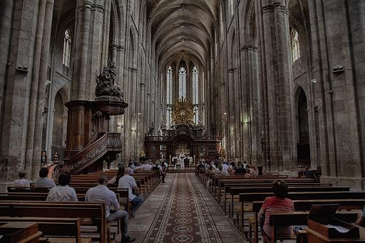 Labtec Prod | Vidéaste mariage | Basilique de saint maximin. cérémonie religieuse