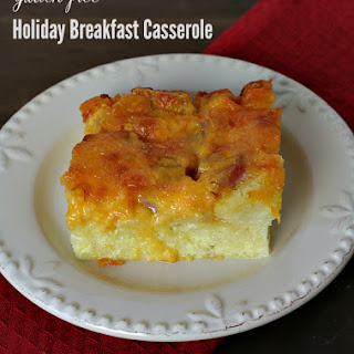 Overnight Holiday Breakfast Casserole {Gluten-free}.