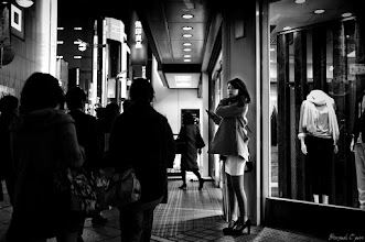 Photo: 待つわ  Tokyo Street Shooting Location; #Shinjuku , #Tokyo , #Japan   #photo #photography #streetphotography #streettogs  #leica #leicammonochrom
